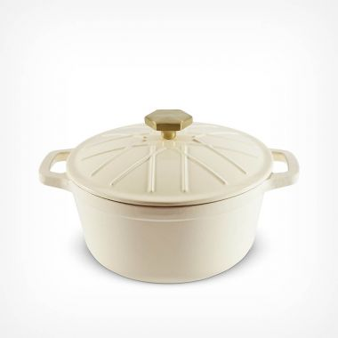 Cream 3.8L Cast Iron Casserole Dish